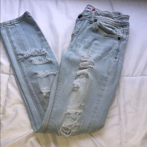 Denim - Light blue denim ripped jeans